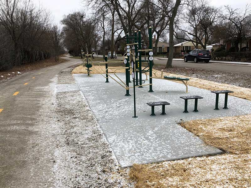 Skokie Valley Trail exercise station